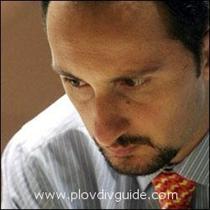 Vesselin Topalov has dethroned Rustam Kasimdzhanov of Uzbekistan as the world champion in chess !!!