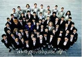 """Der Chor der Plovdiver Jungen """"Stefka Blagoeva"""" singt an BG –Radio – Musikpreisen"""