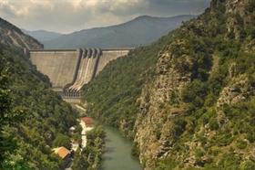Reines Gebirgswasser in Plovdiv