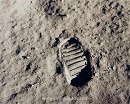 """That's one small step for a man, one giant leap for mankind!"" World Marks 40th Anniversary of 1st Moon Walk"