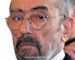 Theaterregisseur Krikor Asarjan verstorben