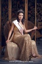 """Густо, майна - пловдивска лекарка спечели титлата """"Mrs Intelligence Globe 2009"""""""
