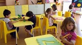 Amerikanische Armee renoviert Kinder Garten im Dorf Graf Ignatievo