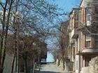 Красива калдъръмена улица