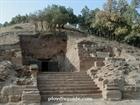 Входът на храма