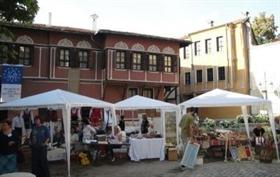 Майстори показват автентични занаяти на изложение в Пловдив